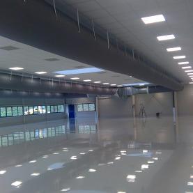 PAC Air/Air et CTA débit total 168 000 m3h pour hall 3000 m²